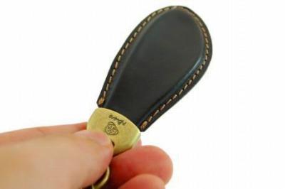 オーダーメイド・オリジナルロゴ入り、ブランド向け靴べらキーホルダーの製作 記念品、ノベルティ 販促品 メタルハウス