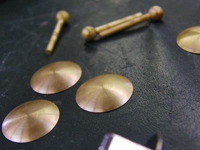 ユニークな形のオーダーメイド・オリジナル特注留め金具