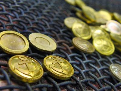 オリジナルのブランドロゴデザイン入り、特注ホック、カシメ、ボタン、チャーム、ブローチ金具の製作 メタルハウス オリジナル特注オーダーメイド金具製造販売