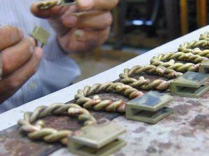 オーダーメイド・オリジナル・特注のヒネリ金具の製作 メタルハウス