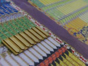 西陣織柄オリジナルブローチ金具と特注ネームホルダー金具 メタルハウス