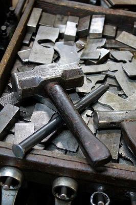 メタルハウスとオーダーメイド・オリジナル・特注金具の製作を支える、メタルハウスの職人、道具たち