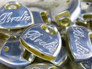 オーダーメイド・特注・オリジナルキーホルダー金具。ノベルティー・販促・プレゼント・記念品に最適。