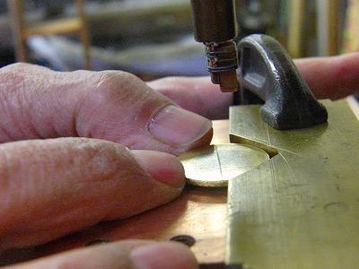 オリジナルモチーフ入り、ホック、ボタン、カシメ、アクセサリーの特注オーダー メタルハウス オリジナル特注オーダーメイド金具製作