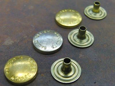 オリジナル・特注のネームホック、カシメ、スタッズ金具のオーダーメイド メタルハウス金具