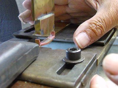 印伝屋さま完全オーダーメイド、ブランドオリジナル、特注真ちゅう製ベルトバックル金具 メタルハウス 金属 手作り