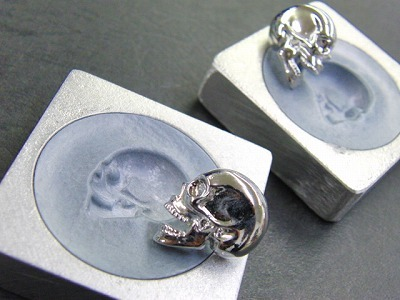 ロストワックス製お客さまオリジナル・特注のスケルトンカシメ金具のオーダーメイド製作 アクセサリー メタル 金属 メタルハウス 金具