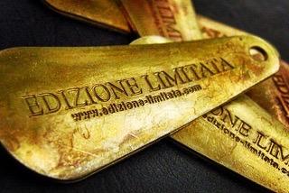 オーダーメイドのネームやロゴを刻印、真鍮製オリジナル、特注靴べらキーホルダーのオーダー