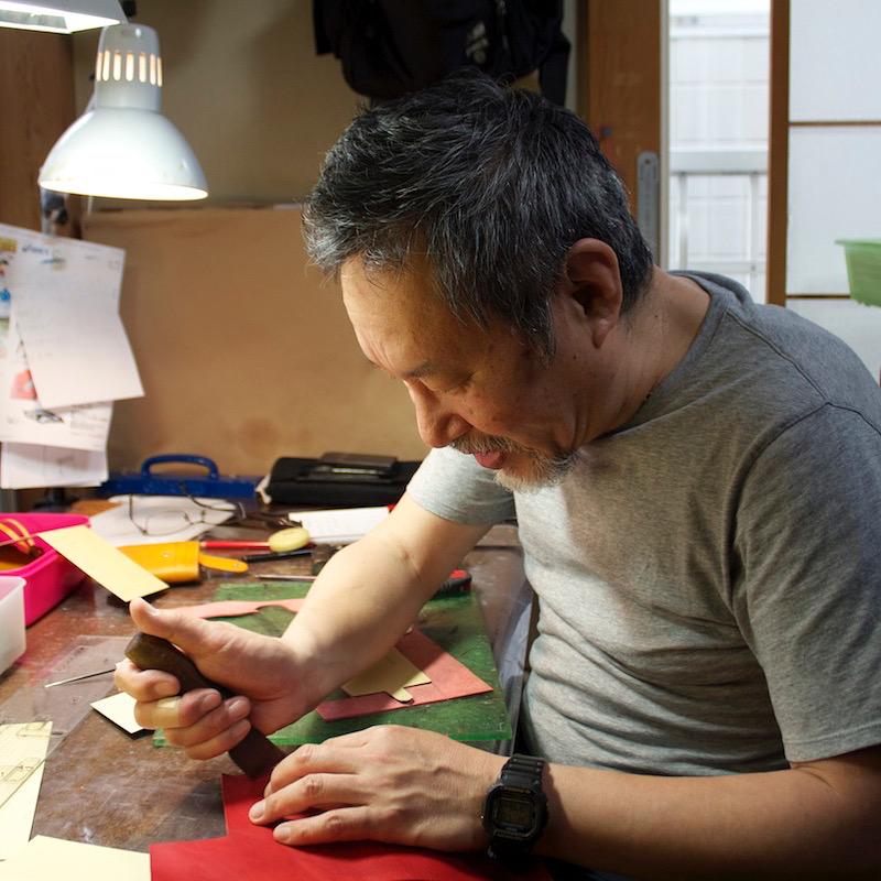 オリジナルの金具の製作から、その後の縫製の工程まで一貫してメタルハウスに依頼していただくことで、お客さまのご負担を減らし、コミュニケーション、品質の向上を常に心がけています。