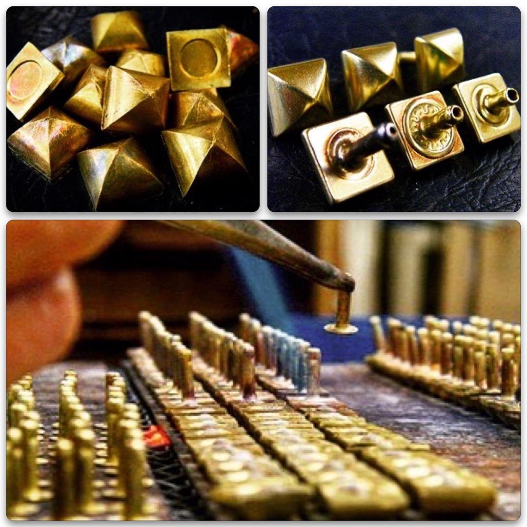 真鍮製オリジナル・特注のネームホック、カシメ、スタッズ、バックル、アクセサリー色々