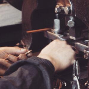 今までは、数万個単位のロットや、膨大な型代が必要だった、オリジナルのダブルリング金具の製作が、小ロットで手軽に作成することが可能になりました。