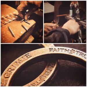 オーダーメイドでオリジナルの刻印入り、ダブルリング、アクセサリーキーホルダー金具を製作。