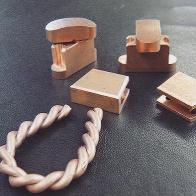 他のパーツは、挽きモノの技術にて、それぞれのパーツを削りだしながら、お客様のデザインに作りあげていきます。 これから組み立て、溶接加工に移ります。