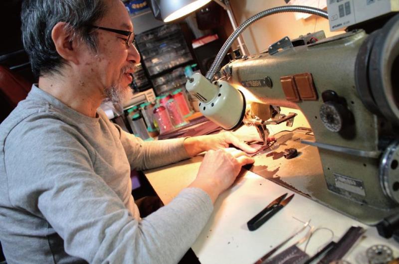 オリジナル金具の生産から、革の縫製までの一括生産の受注開始